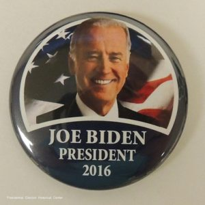 Joe Biden President 2016 campaign button blue with Biden face photo