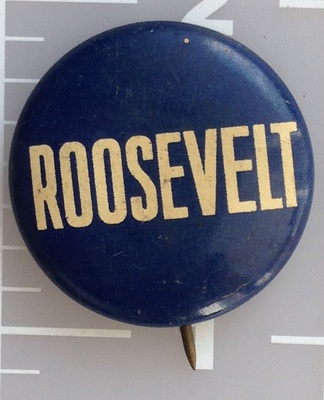 Roosevelt blue lithograph campaign button by Greenduck Company Inc. Measures 7/8 inch